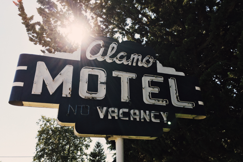 The Alamo Motel - a mainstay on Main Street - Let's Photo Trip